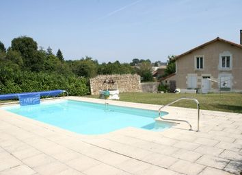 Thumbnail 5 bed property for sale in Poitou-Charentes, Vienne, Saint Romain