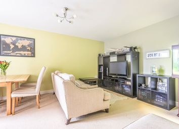 2 bed flat for sale in Cline Road, London N11