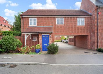 Thumbnail 2 bed flat for sale in Pigeon Grove, Bracknell, Berkshire