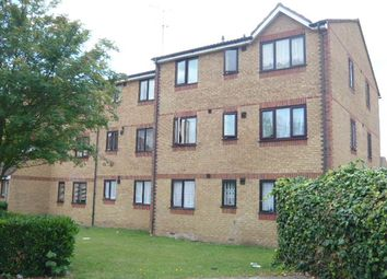 1 bed flat to rent in Redford Close, Feltham TW13