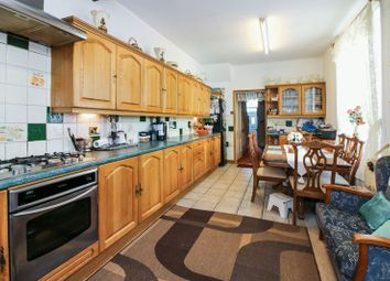 Thumbnail 6 bed terraced house for sale in Piccadilly Road, Burnley