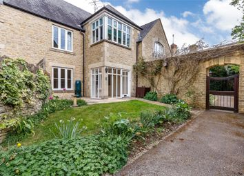 Thumbnail 2 bed flat for sale in The Playing Close, Charlbury, Chipping Norton, Oxfordshire