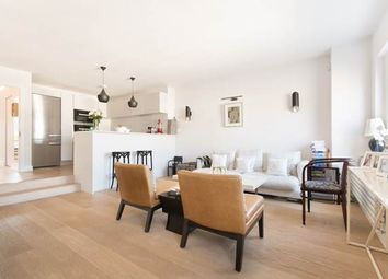 Thumbnail 2 bed flat for sale in Queen's Gardens, London