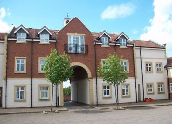 Thumbnail 2 bedroom flat to rent in Elgar Close, Swindon
