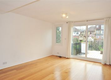 3 bed flat to rent in Victoria Road, Alexandra Palace, London N22