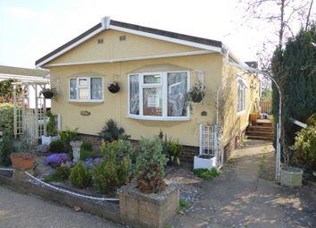 2 bed mobile/park home for sale in Grange Farm Estate, Shepperton, Surrey TW17