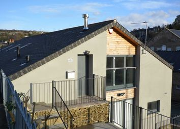 Thumbnail 2 bed flat to rent in Woodhead Road, Holmfirth