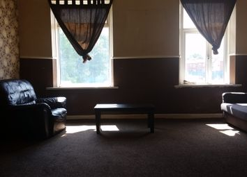 Thumbnail 1 bed flat to rent in Milnrow Road, Rochdale