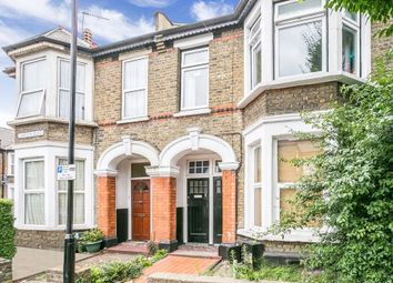 Thumbnail 3 bedroom flat to rent in Lawton Road, London