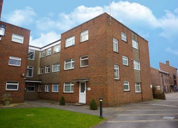 Thumbnail 2 bedroom flat to rent in 2 Clifton Gardens, Clifton Road