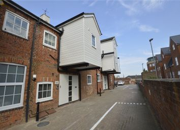 Thumbnail 2 bed flat to rent in London Court, East Street, Reading, Berkshire