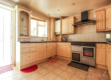 3 bed property to rent in Fuller Way, Hayes, Middlesex UB3