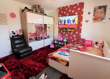Thumbnail 1 bed flat to rent in Orsett Road, Grays