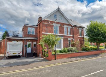 4 bed detached house for sale in Avondale Road, Chesterfield S40