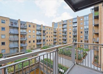 1 bed property to rent in Cassilis Road, London E14
