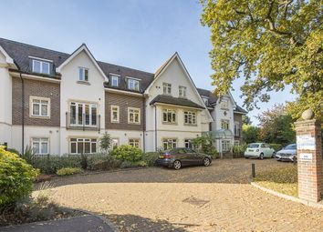 Thumbnail 1 bed flat to rent in Station Road, Beaconsfield