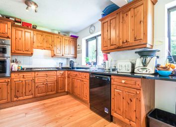 Thumbnail 4 bed detached house to rent in Whitebeam Close, Wokingham