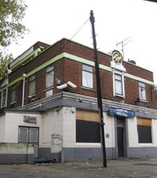 Thumbnail Pub/bar to let in 331 Wick Road, London