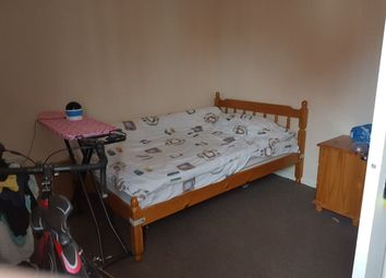 Thumbnail 1 bedroom property to rent in Double Room, Potterswood Close, Kingswood