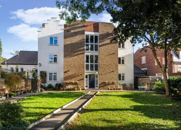 Thumbnail 2 bedroom flat to rent in Willow Road, Hampstead NW3,