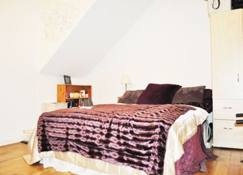 Thumbnail 3 bed flat to rent in Great Eastern Street, Old Street
