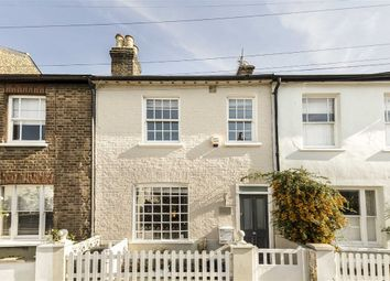 Thumbnail 4 bed property to rent in Cross Street, London