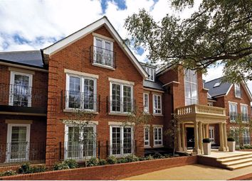 Bayview House, Enfield, Middlesex EN2. 2 bed flat for sale