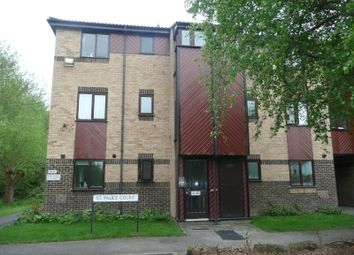 Thumbnail 1 bed flat to rent in St Pauls Court, Reading