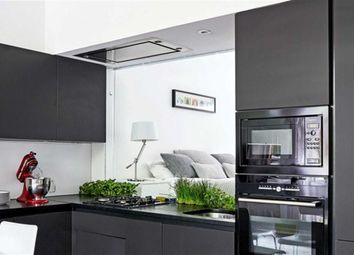 Thumbnail 2 bed flat for sale in Roman Road, Muswell Hill