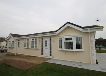 Thumbnail 2 bed mobile/park home for sale in Kingfisher Park, Normans Bay, Pevensey
