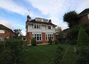 2 bed flat to rent in Green Lane, Northwood HA6