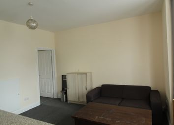 Thumbnail 1 bed flat to rent in Bowes Roat, London