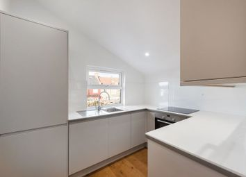 Thumbnail 2 bed flat to rent in Arlingford Road, London