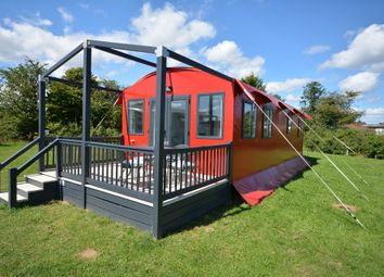 Thumbnail 2 bedroom mobile/park home for sale in London Road, Kessingland, Lowestoft