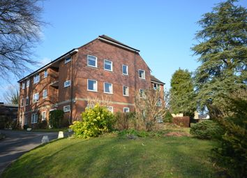 Thumbnail 2 bedroom flat to rent in East Street, Farnham