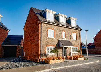 Thumbnail 4 bed detached house for sale in Priors Gardens, Spencers Wood, Reading
