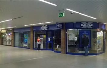 Thumbnail Retail premises to let in 12/13 Meridian Centre, Peacehaven, East Sussex
