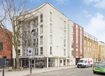 Thumbnail 2 bed flat to rent in Enfield Road, Haggerston