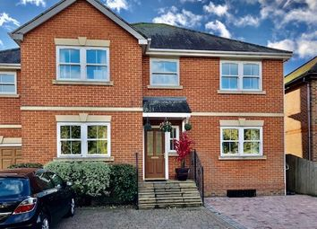 Room to rent in Staines Upon Thames, Surrey TW18