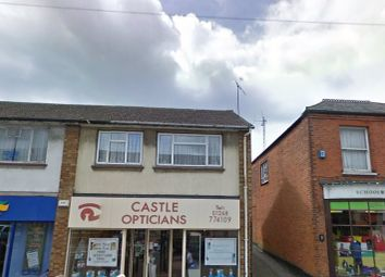 2 bed flat to rent in Eastwood Road, Rayleigh, Essex SS6