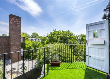 Thumbnail 2 bedroom flat for sale in Calabria Road, London