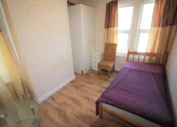 Thumbnail Room to rent in Maidstone Road, Swindon