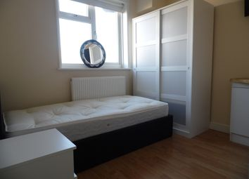 Thumbnail Room to rent in Camlan Road, Bromley