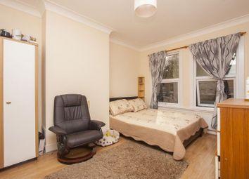 Thumbnail 2 bedroom flat to rent in Cornwallis Road, London