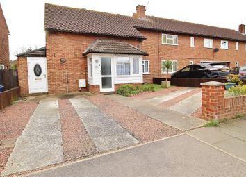 Giffords Cross Avenue, Corringham, Stanford-Le-Hope SS17. 3 bed end terrace house