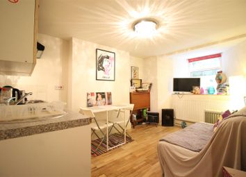 Thumbnail 1 bedroom flat to rent in Barretts Grove, London
