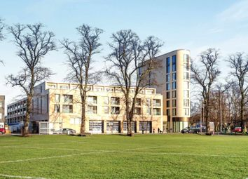 Thumbnail 3 bed flat for sale in Parkside, Cambridge