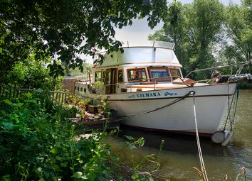 3 bed houseboat for sale in Chertsey Road, Shepperton TW17