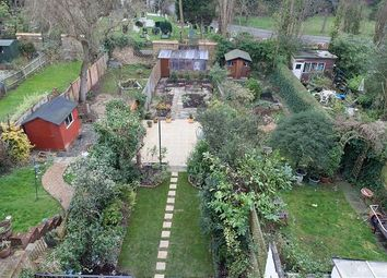 Thumbnail 4 bed property to rent in Lankaster Gardens, London