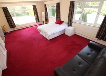 Thumbnail Room to rent in The Willows Brookers Hill, Shinfield, Reading